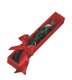 Sivas 14 şubat sevgililer günü çiçek  tek kutu gül sade ve sik