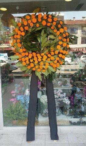 Cenaze çiçeği cenaze çelengi çiçek modeli  Sivas İnternetten çiçek siparişi