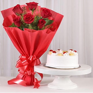 6 Kırmızı gül ve 4 kişilik yaş pasta  Sivas çiçek gönderme