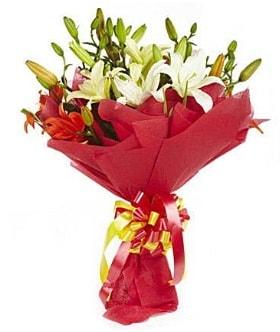 5 dal kazanlanka lilyum buketi  Sivas online çiçekçi , çiçek siparişi