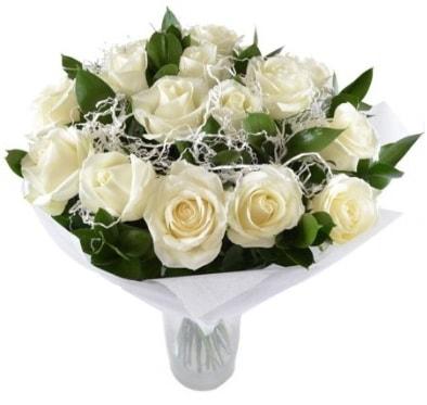 15 beyaz gül buketi sade aşk  Sivas çiçek yolla