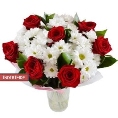 7 kırmızı gül ve 1 demet krizantem  Sivas online çiçekçi , çiçek siparişi